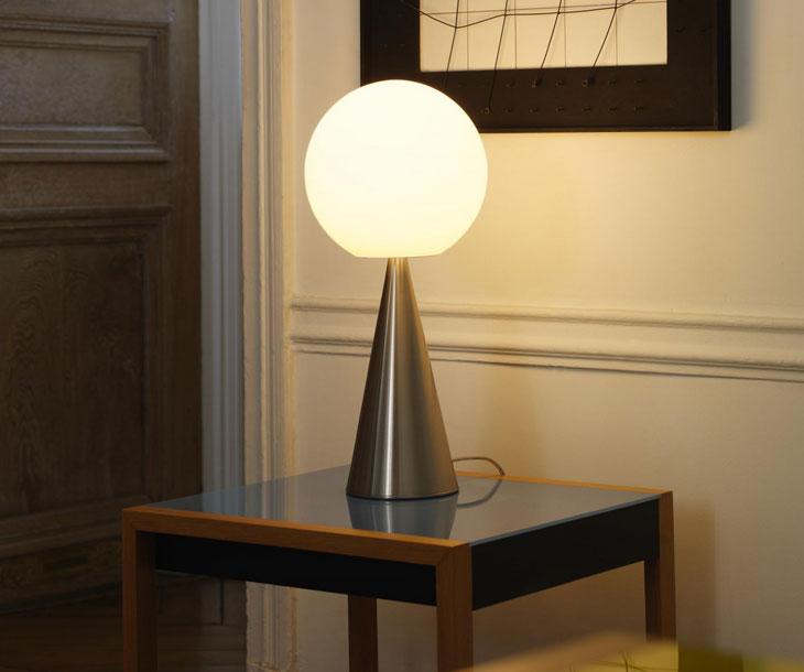 Lampada da scrivania design flessibile pico nero , inspire. 10 Timeless Table Lamps Mohd Design Magazine