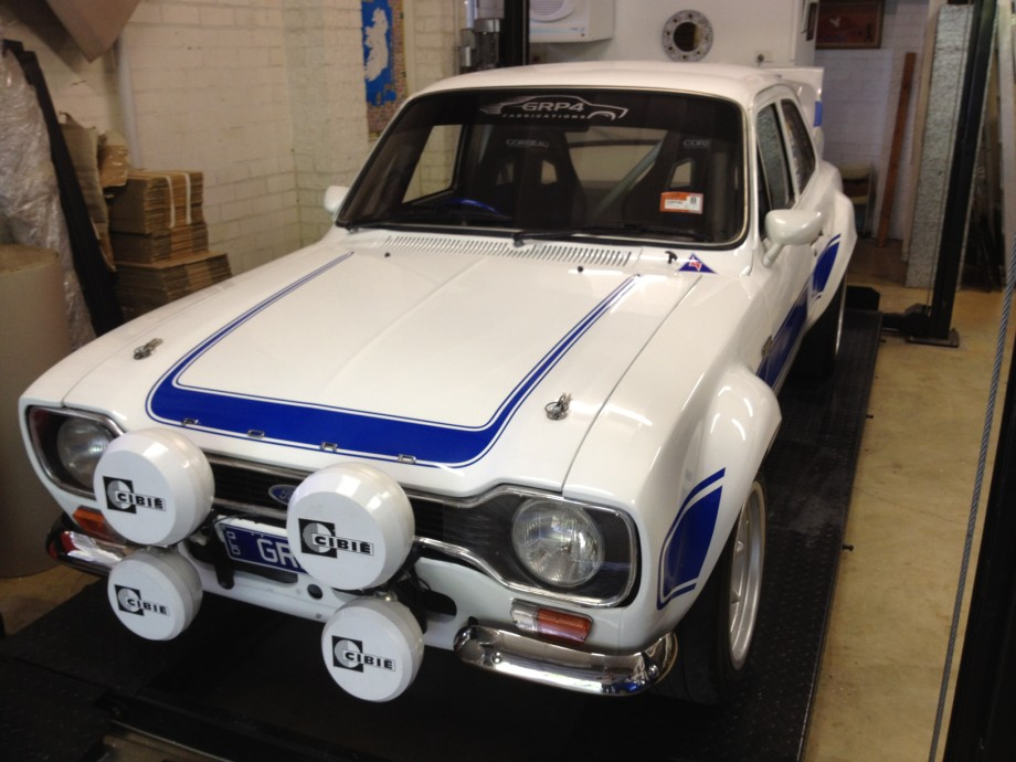 Ford escort mk1 works replica duratecwhiteblue rs2000