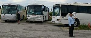I land väntar alltid utflyktsbussar. Det kan vara väldigt många.