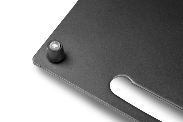 Podstawa kwadratowa stalowa z uchwytem, trzpieniem i gumowymi nóżkami