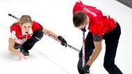 """Ich liebe es"": Kaitlyn Lawes (links) mit ihrem Curling-Partner John Morris."