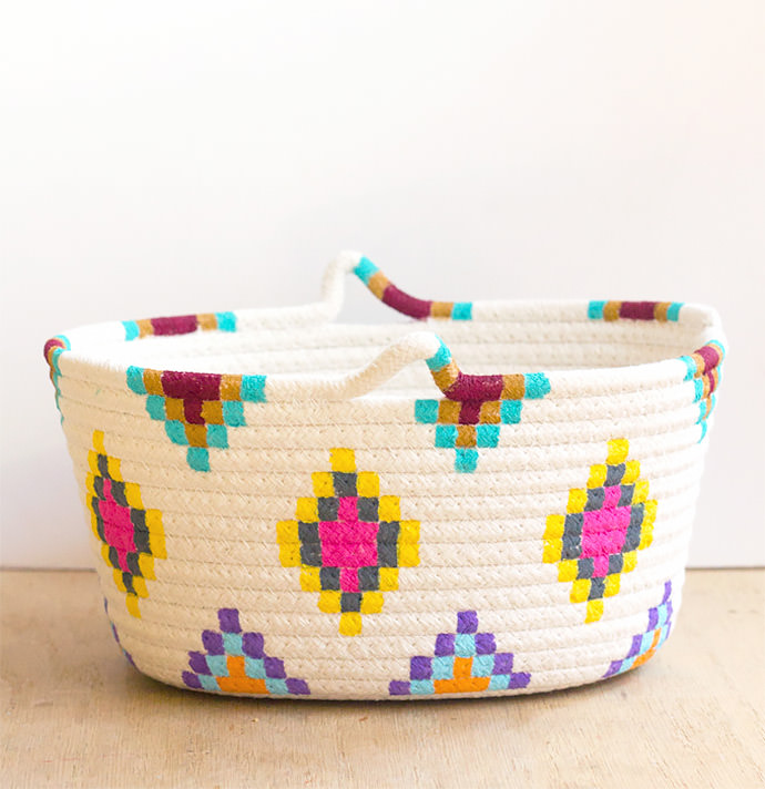 DIY Kilim-inspired Painted basket, tutorial via DIY Candy