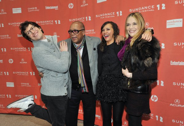 Andy Samberg Posed With Rashida Jones And Parents Quincy Celebrate Sundance