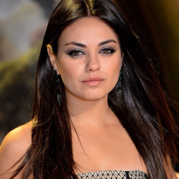 Mila Kunis Hair Makeup Beauty Popsugar Australia