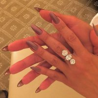 See the Hottest Autumn Nail Trends on the Emmys Red Carpet ...