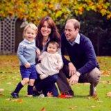 Principe George e sorrisi splendidi istantanei di principessa Charlotte in un nuovo ritratto della famiglia reale