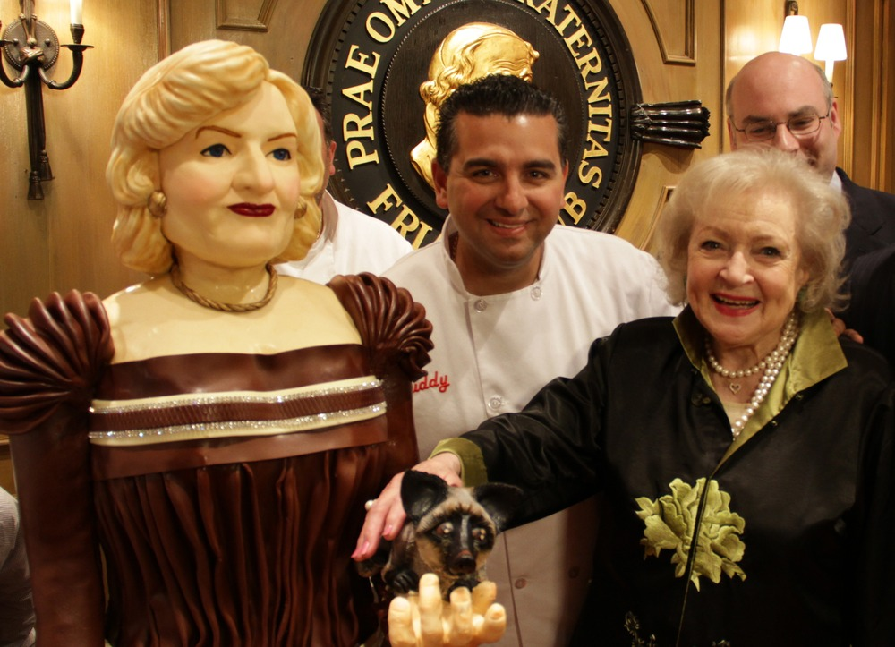 Cake Boss creates lifesize cake of Betty White  TODAYcom
