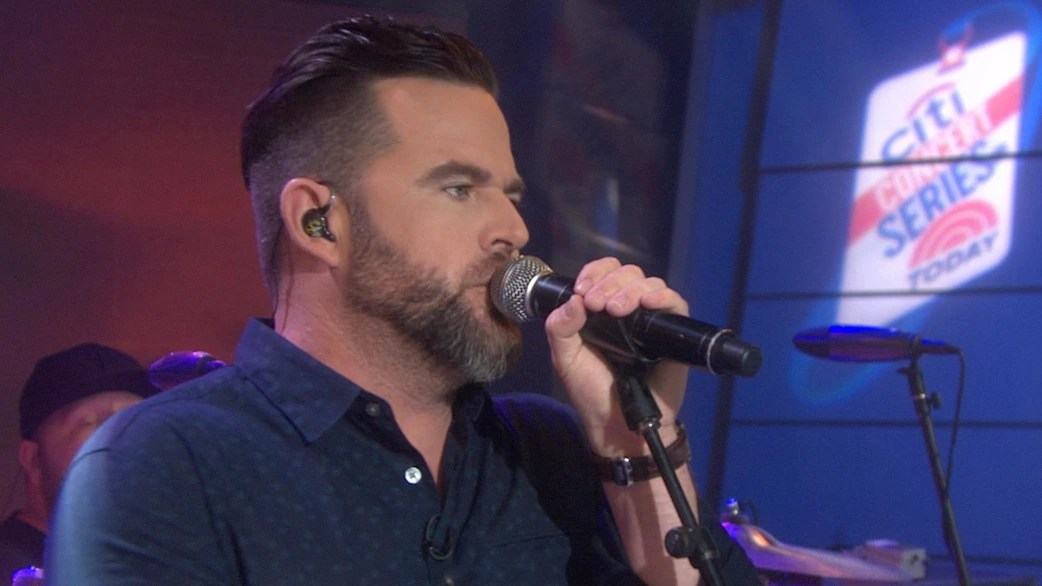 Country Singer David Nail Performs Single Night S On Fire Today