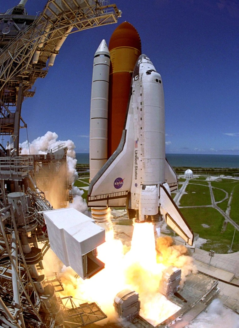 Space shuttle Discovery highlights