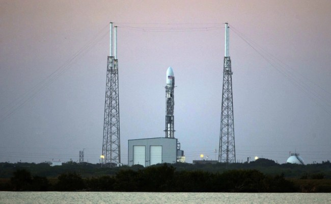 Hold Spacex S Dscovr Launch Scrubbed Due To Radar Problem