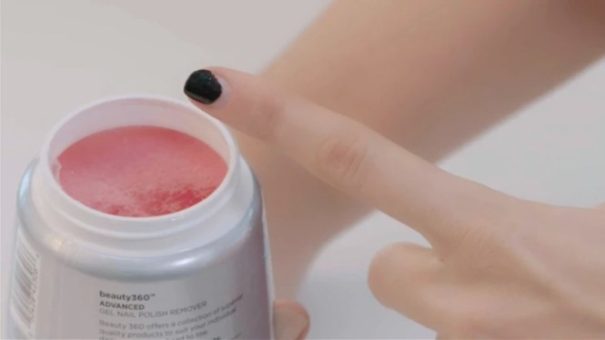How To Take Off Gel Polish At Home Use Orangewood Stick Gently Press