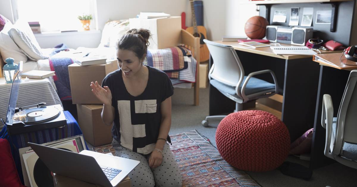The ultimate guide to decorating your kid's college dorm