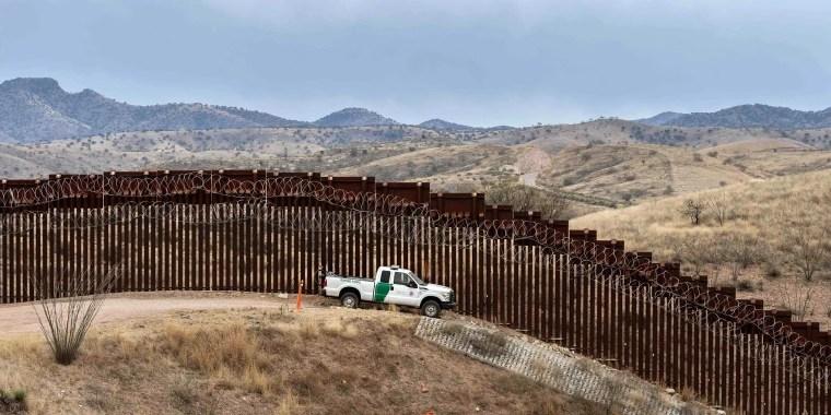 Image: Border Patrol, Arizona