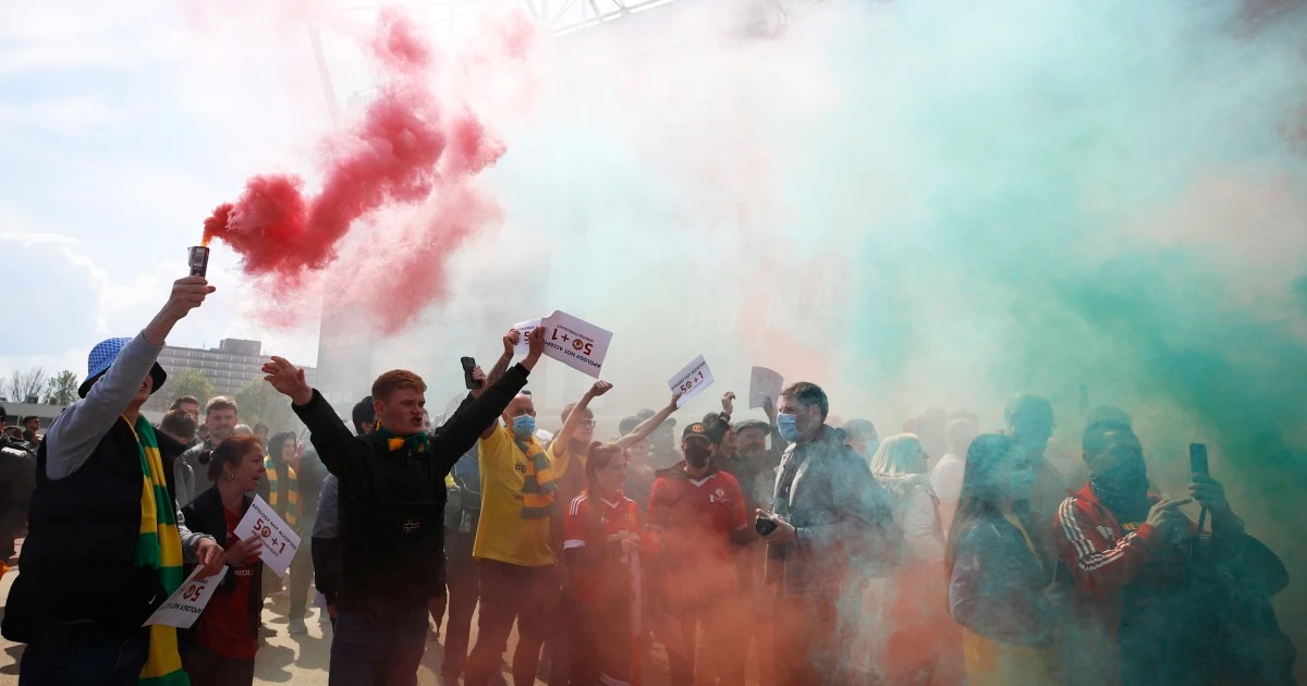 Angry Manchester United fans storm stadium in protest of ownership before Liverpool match, Swahili Post
