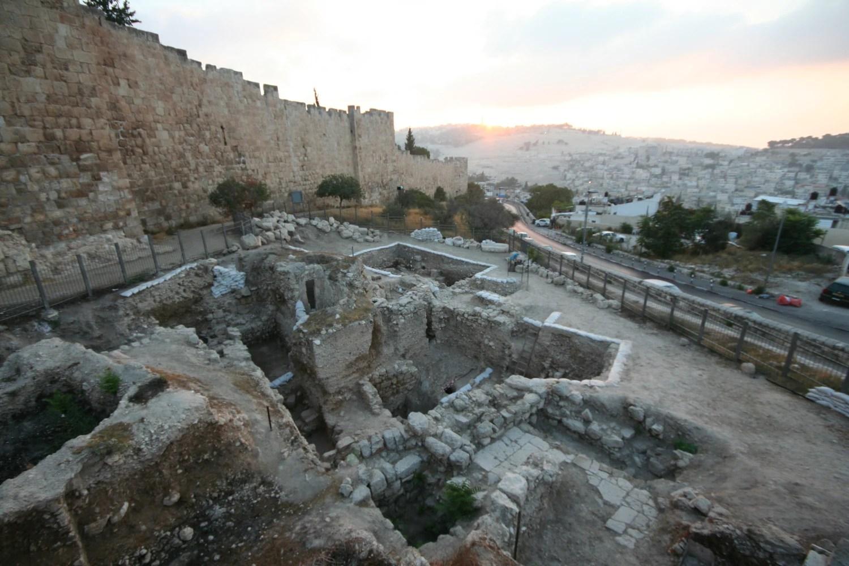 Behold Jerusalem Dig Turns Up Priestly Bathtub From Jesus