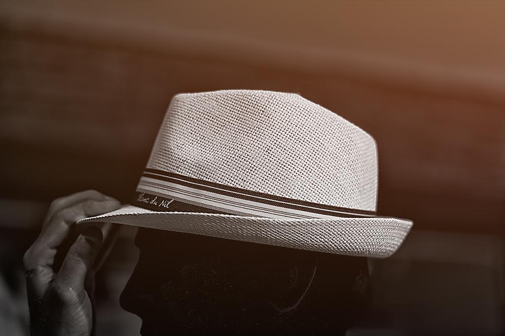 Håll i hatten