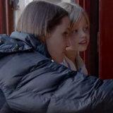 Vedi il chiodino a testa laterale ed i bambini di Angelina sullinsieme durante la contaminazione del loro nuovo film
