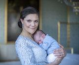 La famiglia reale svedese celebra la nascita del loro piccolo principe With New Photos!