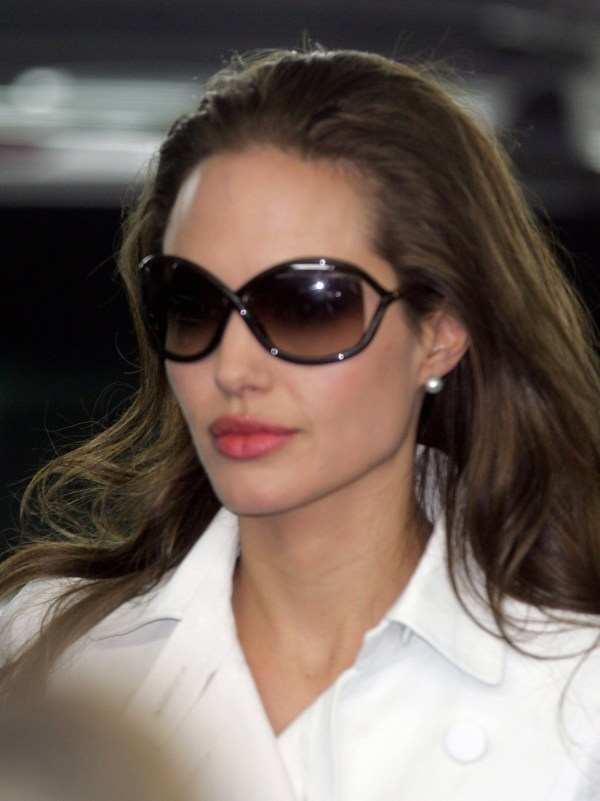 Angelina And Brad Deny Wedding Plans Popsugar Celebrity