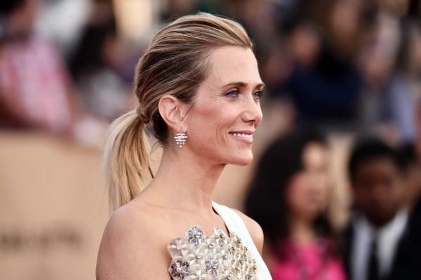 Kristen Wiig' Hair Cut Blond Pixie In 'snl