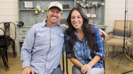 Chip and Joanna Gaines Announce their Hit Show 'Fixer Upper' Is Making a Comeback in 2021