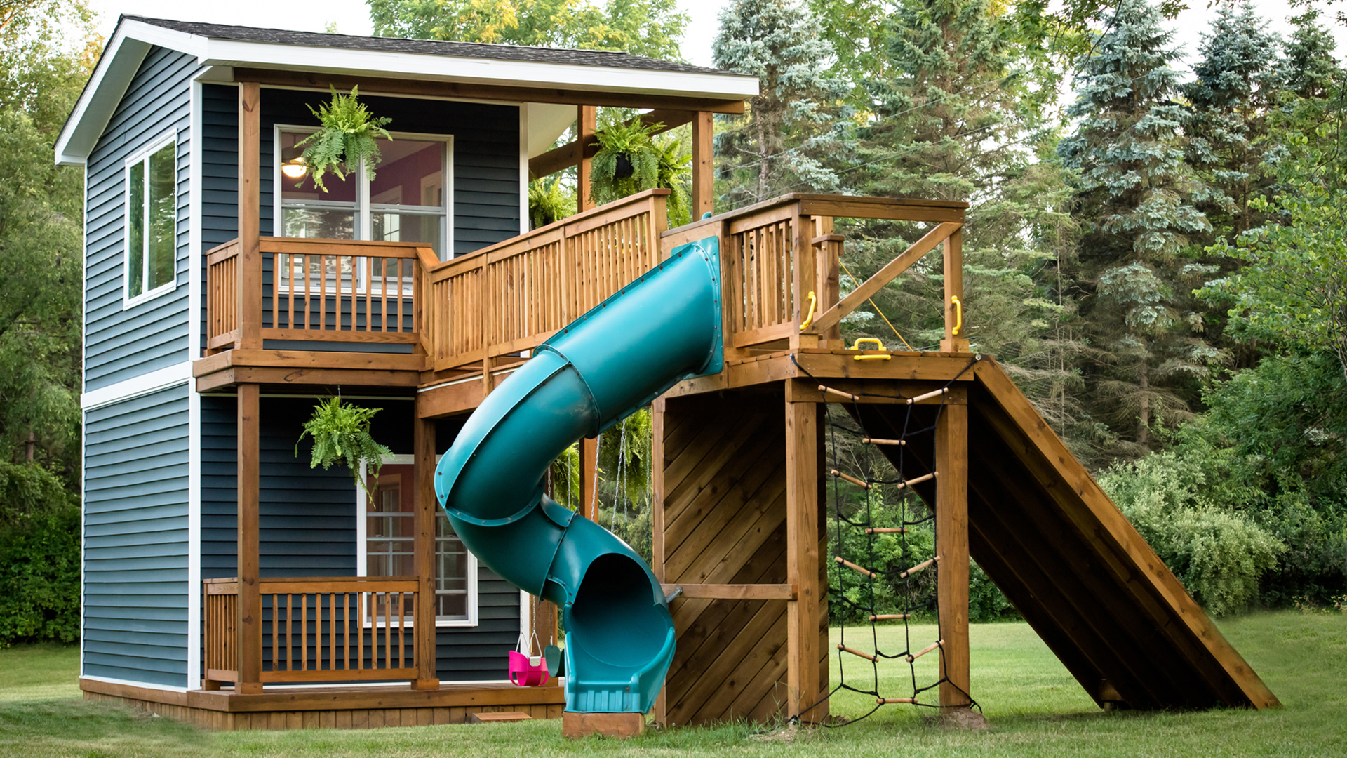We would totally live in this playhouse a dad built for his daughters - TODAY.com