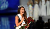 Cara Mund Photos: Must-See Pictures Of Miss America