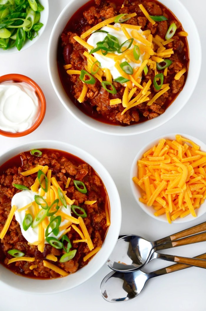 Kelly Senyei's Slow-Cooker Chicken Chili