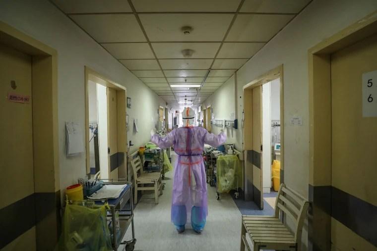 Coronavirus: Rumors and misinformation swirl unchecked in China