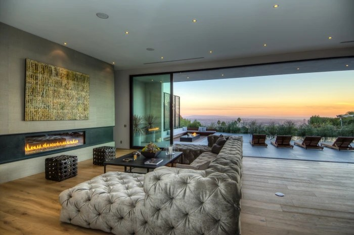 Celebrity home stager Meridith Baer takes highend tastes