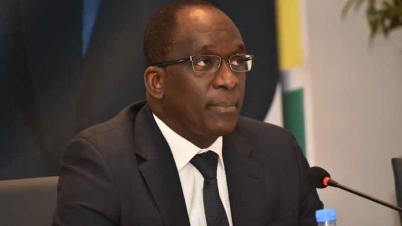 Variant Delta : le ministre de la Santé exhorte la population à redoubler d'efforts