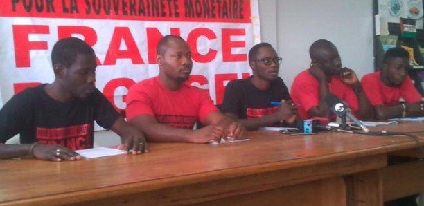 «Nous sommes prêts pour les libérer ou les rejoindre en prison», avertissent les camarades de Guy
