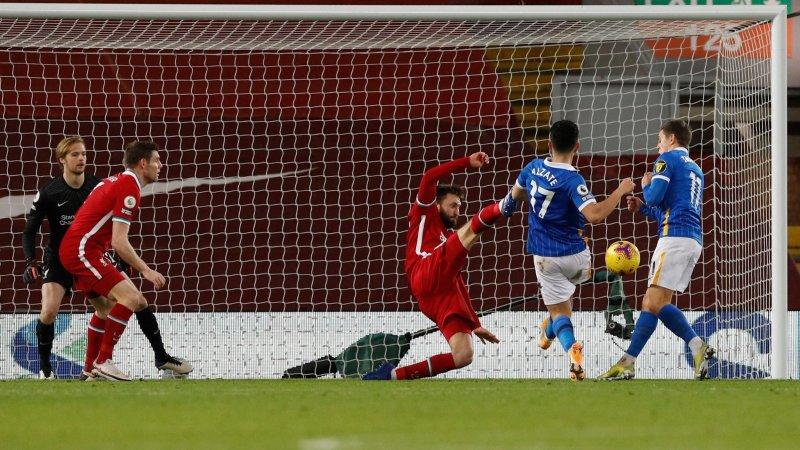 Liverpool chute encore à domicile