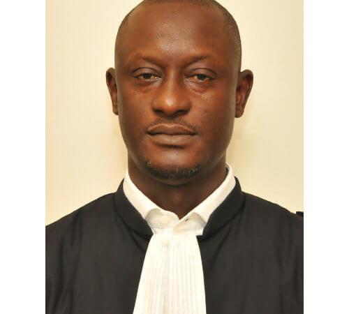 Affaire Ousmane Sonko : l'identité de l'avocat qui a rédigé la plainte d'Adji Sarr est connue