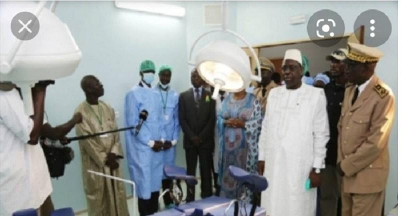 3e vague de Covid-19 : le président Macky Sall en visite dans certaines structures sanitaires à Dakar