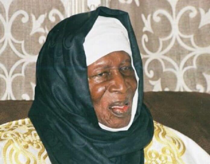 Hommage à Abdoulaye Thiaw Laye : Abbé Jacques Seck raconte sa rencontre avec le Pape Jean Paul II
