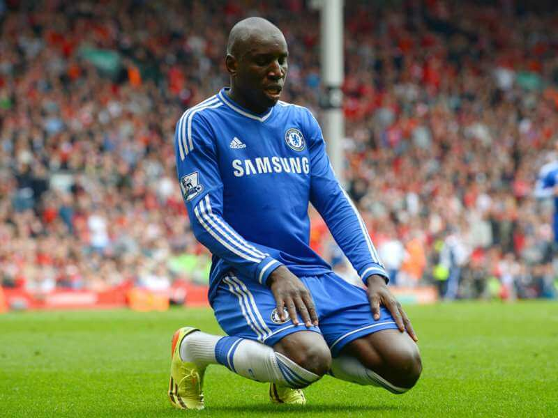 Football : Demba Bâ met fin à sa carrière de joueur