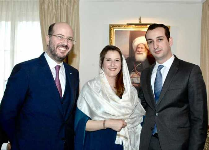 أسرة آخر ملوك مصر تعلن تفاصيل زواج الأميرة فوزية من مهندس