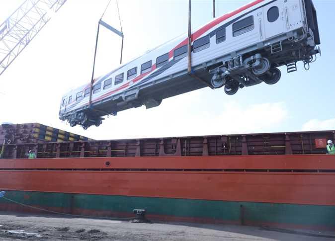 النقل» تستقبل «نموذج» ضمن صفقة توريد 1300 عربة سكة حديد جديدة ...