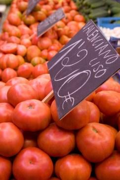Media Bakery ID: RHD0075734 Tomatoes for sale, Mercado Central (Central Market), Valencia, Mediterranean, Costa del Azahar, Spain, Europe