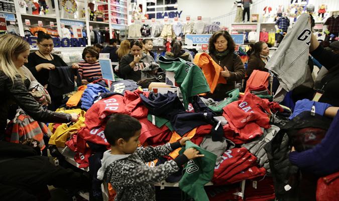 Source; PRNewsFoto/Christmas shopping