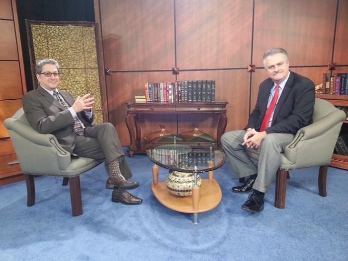 """Benjamin DeYurre On """"Opiniones"""" (Opinions) with Pedro Corzo, PBS."""