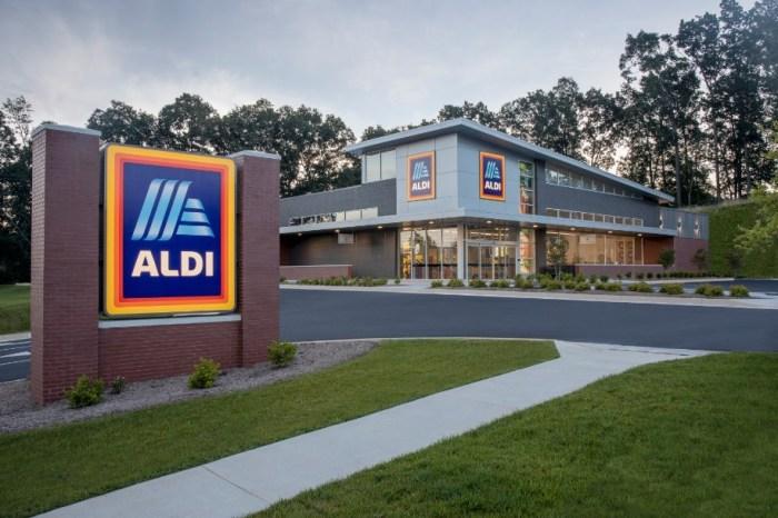 ALDI grocery store exterior