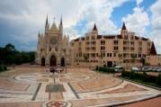 Basílica e moradia dos Arautos em Cotia-SP