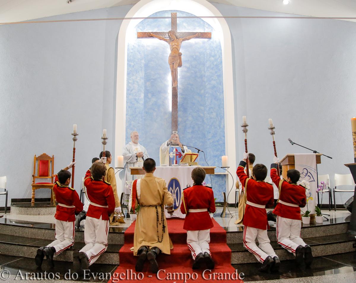 Arautos do Evangelho promovem consagração a Nossa Senhora na Comunidade São Domingos Sávio
