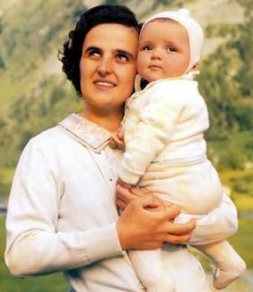 Santa Giana Beretta com o filho Imagem ilustrativa