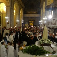 63-62-Rientro della fiaccolata in Basilica di Sant Elena, Araldi del Vangelo