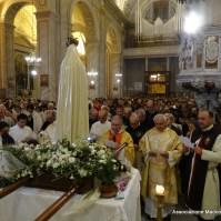 80-80-D. Alfredo Fadda affida i fedeli alla Madonna di Fatima, Araldi del Vangelo