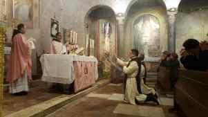 1° messa di un novello sacerdote degli Araldi Del Vangelo-002