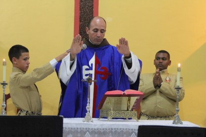 O evento começou com a Missa